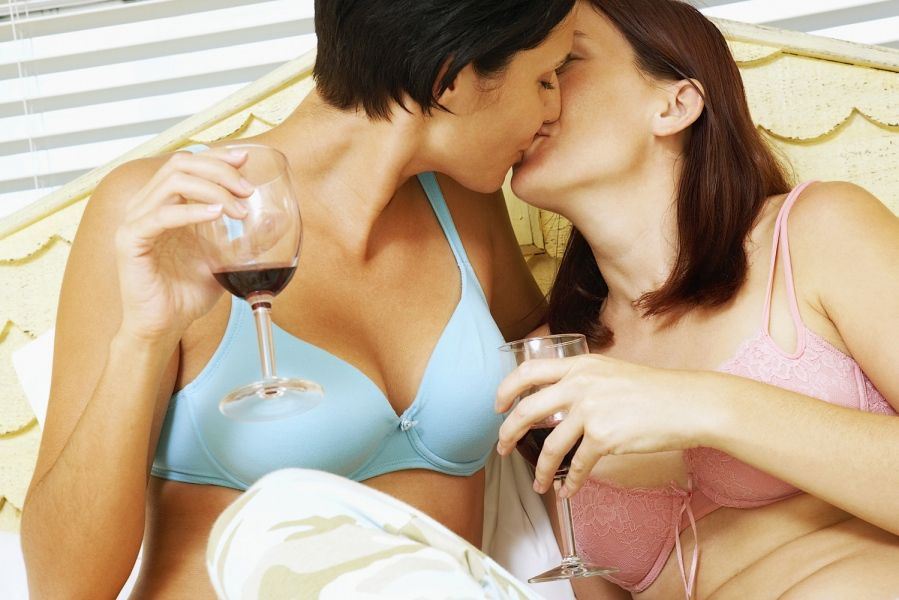 Online lesbian dating site