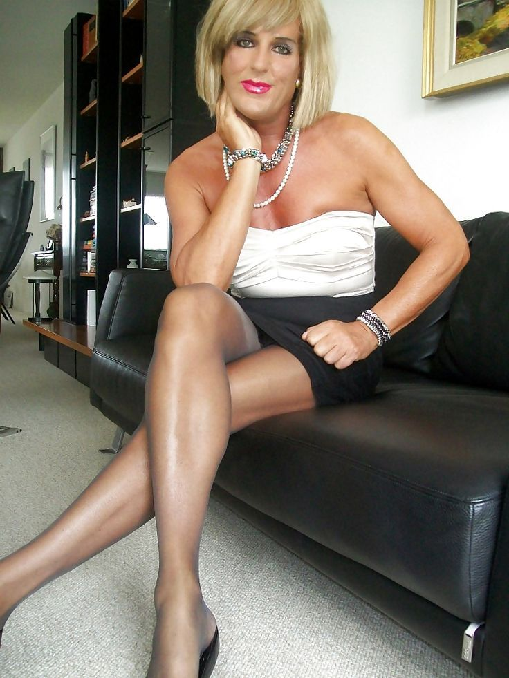 Mature with tranny