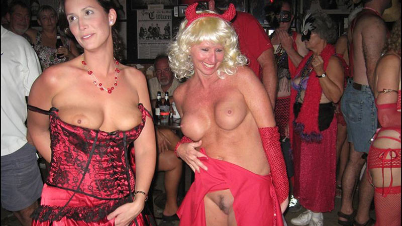 What are swingers clubs like